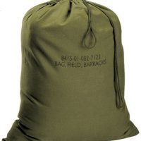"GI type canvas barracks bag:: Sac de caserne en toile de type ""GI"""